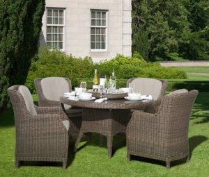 4 Seasons Outdoor Brighton dining chairs + Victoria tafel leaf