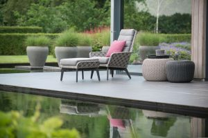 4 Seasons Outdoor Savoy living chair + footstool