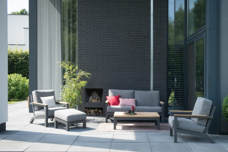 4 Seasons Outdoor Capitol loungeset, teak tuinmeubelen, 2 loungestoelen 1 loungebank footstool loungetafel